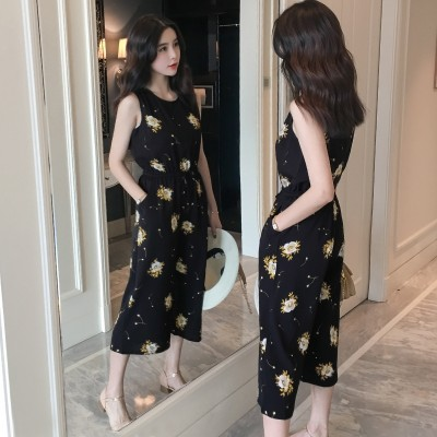The new summer dress sleeveless Chiffon floral Jumpsuit Siamese wide leg pants nine female casual pants waist slimming