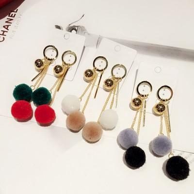 Sue heart geometric metal circle ball chain tassel color hairball earrings, Japan and South Korea version of retro earrings