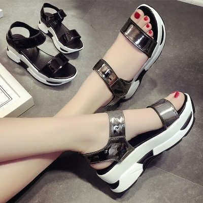 2017 female summer sandals with thick muffin bottom slope all-match Korean Velcro toe Crocs beach leisure students