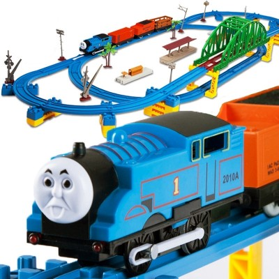 Thomas jr. 's small train track car, a multilayered children's train track toy, is 3-6 years old