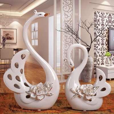 Creative Home Furnishing soft equipment of the living room decoration decoration ceramic cabinet wedding gift handicraft gilt Swan