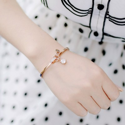 Small fresh Bracelet lady Kaka Korean Korean students all-match Mori bestie simple minimalist Rose Gold Bracelet