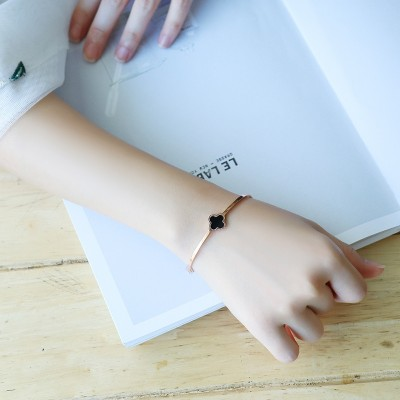 The Korean version of the opening rose gold plated 18K clover Bracelet titanium handsel women stylish bracelet Jewelry