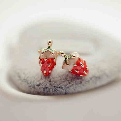 South Korea act the role ofing is tasted sweet strawberry soft mat no ear pierced ear clip earrings earrings earpins female earrings 0303