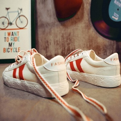 The new spring all-match white shoe female flat canvas shoes female street  summer leisure shoes in Korean Students