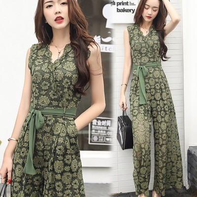 In the summer of  new Korean female Siamese pants waist lace Jumpsuit skinny pants baggy pants suit tide