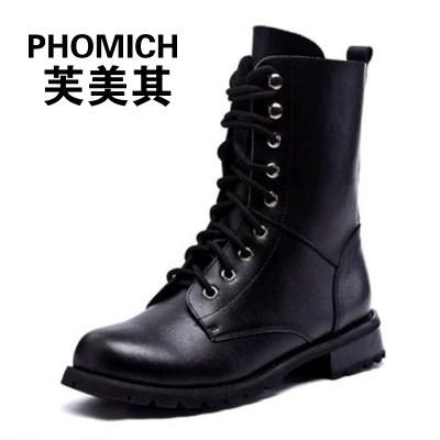 In the spring and Autumn period, women's shoes were made of leather boots, flat heel, medium cylinder boots, Martin boots, English wind lace, female army boots and flat bottom women boots